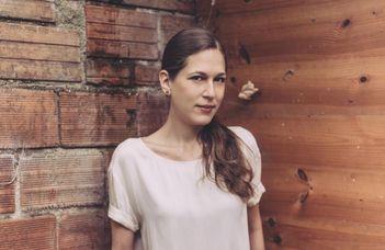 Nina Yargekov írónő életéről, műveiről és terveiről tart előadást.